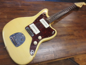 refinished Olympic White Fender Jazzmaster